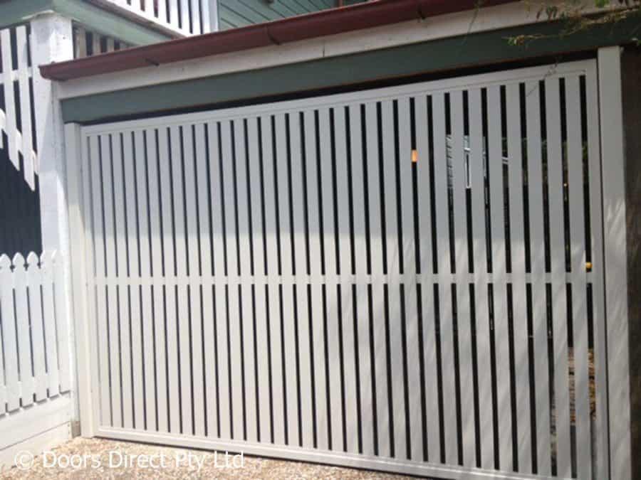 Tilt frame with Vertical Aluminium slats powdercoat white.JPG 2